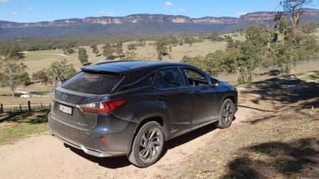 2019-lexus-rx-450h-rear-right-quarter-dryridge-estate.jpg